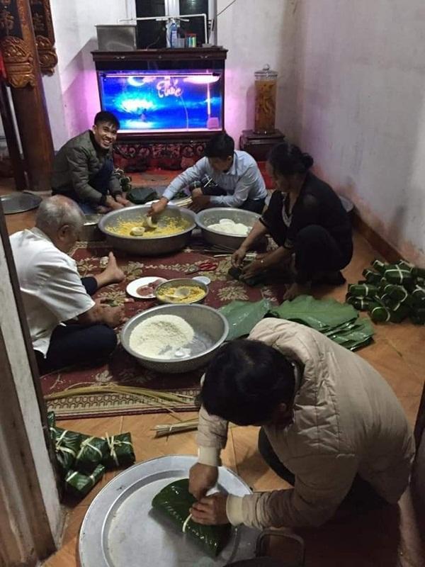 Người dân Hà Nội trắng đêm gói hàng nghìn chiếc bánh chưng tiếp tế miền Trung lũ lụt-2