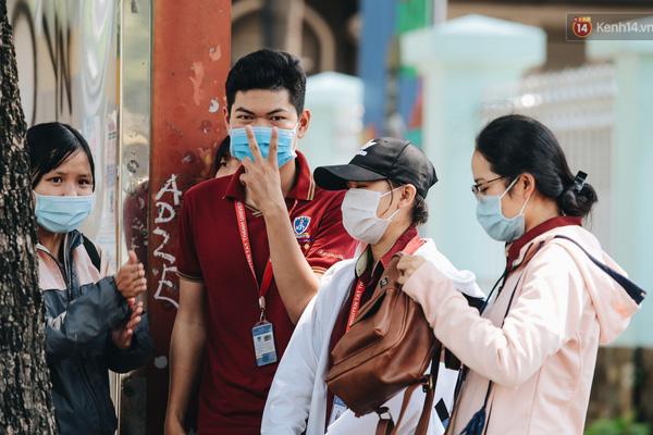 Thủ tướng yêu cầu người dân Hà Nội và TP.HCM phải đeo khẩu trang ngoài đường phố, chốn đông người-1