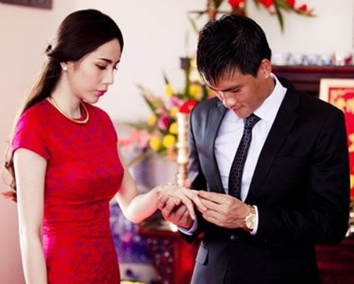 Thủy Tiên xông pha cứu trợ đồng bào Miền Trung: Phía sau người phụ nữ nhân hậu ấy là hạnh phúc được nhiều người ngưỡng mộ-8