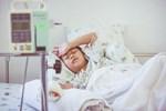 Cậu bé 12 tuổi mắc bệnh ung thư ruột giai đoạn cuối: Cha mẹ đừng vì cưng chiều mà xuôi theo sở thích ăn uống của con