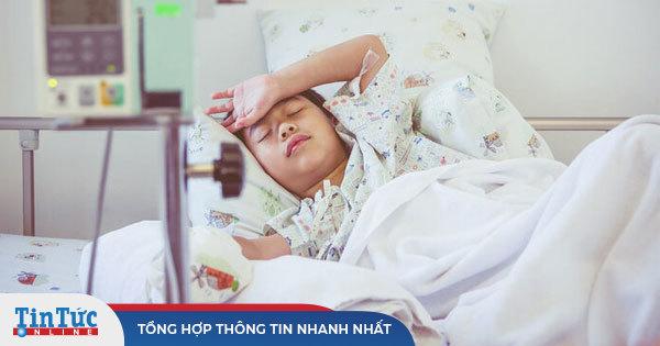 Cậu bé 12 tuổi mắc bệnh ung thư ruột giai đoạn cuối: Cha mẹ đừng quá cưng chiều