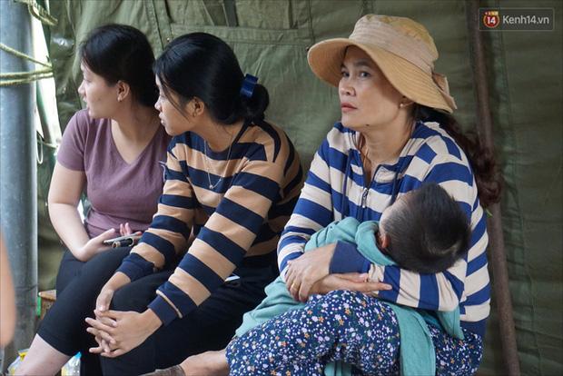 Nước mắt người vợ chiến sĩ hy sinh ở Sư Đoàn 337: Giờ anh mất, muốn đưa thi thể về nhà cũng không được vì quê Quảng Bình vẫn còn ngập lụt-6