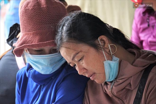 Nước mắt người vợ chiến sĩ hy sinh ở Sư Đoàn 337: Giờ anh mất, muốn đưa thi thể về nhà cũng không được vì quê Quảng Bình vẫn còn ngập lụt-9