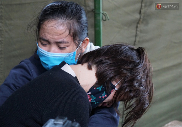 Nước mắt người vợ chiến sĩ hy sinh ở Sư Đoàn 337: Giờ anh mất, muốn đưa thi thể về nhà cũng không được vì quê Quảng Bình vẫn còn ngập lụt-12