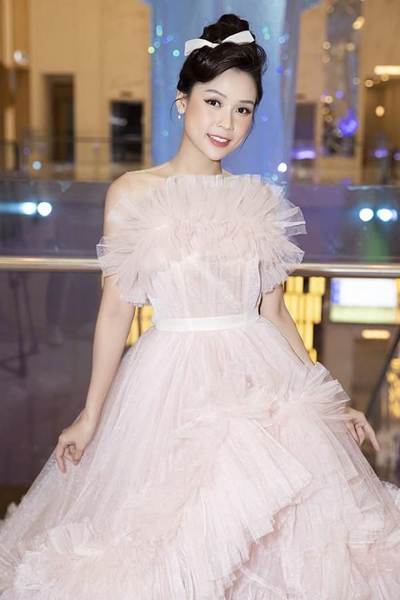 Hà Tăng diện váy basic vẫn cân đẹp dàn sao hóa nữ thần, công chúa-9
