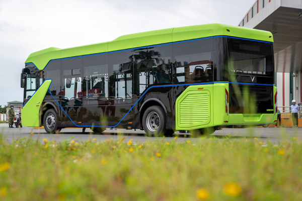Chạy thử nghiệm xe buýt điện VinFast-3