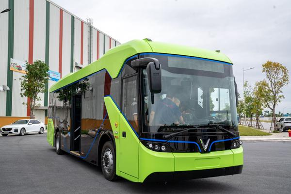 Chạy thử nghiệm xe buýt điện VinFast-5