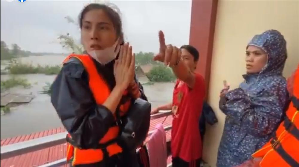 Thủy Tiên tuyên bố sau lũ ngoài xây lại nhà cho người dân còn xây thêm nhà tập thể đề phòng mưa bão-6