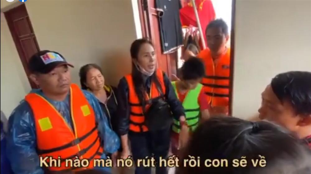 Thủy Tiên tuyên bố sau lũ ngoài xây lại nhà cho người dân còn xây thêm nhà tập thể đề phòng mưa bão-11