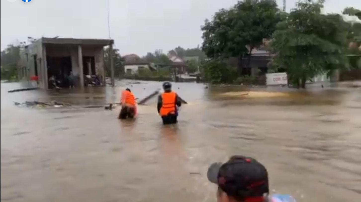 Thủy Tiên tuyên bố sau lũ ngoài xây lại nhà cho người dân còn xây thêm nhà tập thể đề phòng mưa bão-3