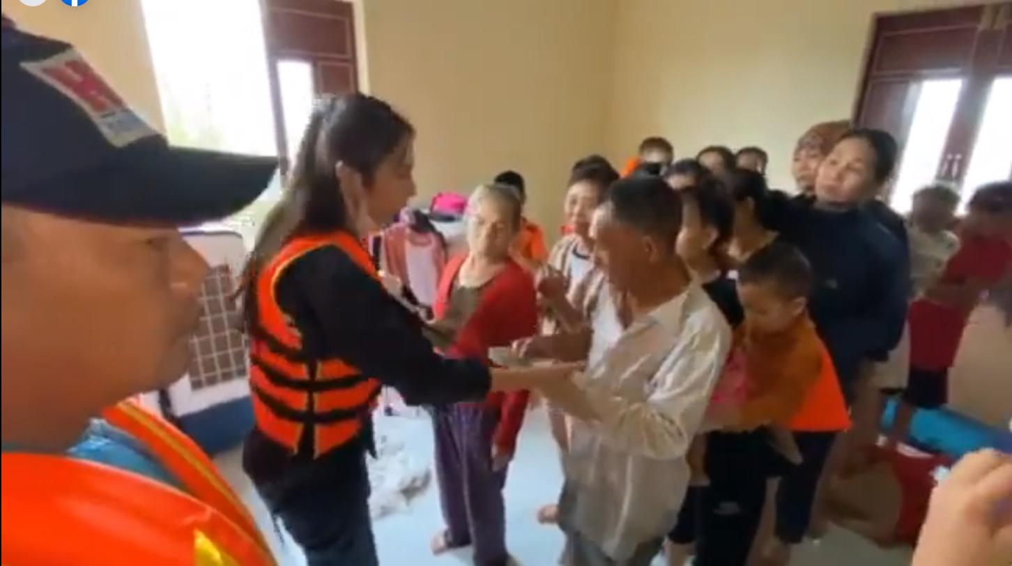 Thủy Tiên tuyên bố sau lũ ngoài xây lại nhà cho người dân còn xây thêm nhà tập thể đề phòng mưa bão-13