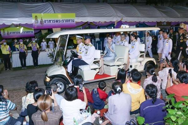 Hoàng quý phi Thái Lan nhận ân sủng mới từ nhà vua, phản ứng của Hoàng hậu Suthida nhận được nhiều sự chú ý-5