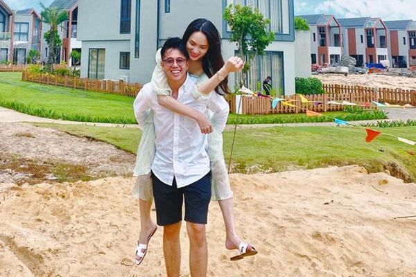 Matt Liu - Hương Giang thi nhau tung loạt ảnh hẹn hò dịp 20/10: Chàng cõng nàng