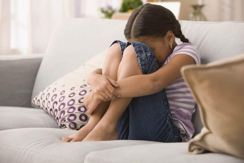 Bị con gái của người giúp việc lạm dụng tình dục từ khi còn nhỏ và nỗi đau của cô bé 17 tuổi phải trải qua trong nhiều năm khiến ai cũng phải suy nghĩ-1