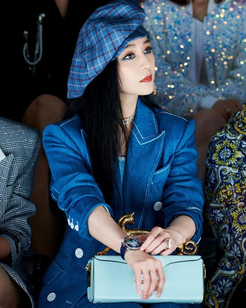 Gần 40 tuổi nhưng Phạm Băng Băng không ngại thử style mới, diện đồ càng độc càng lạ lại càng đẹp-8
