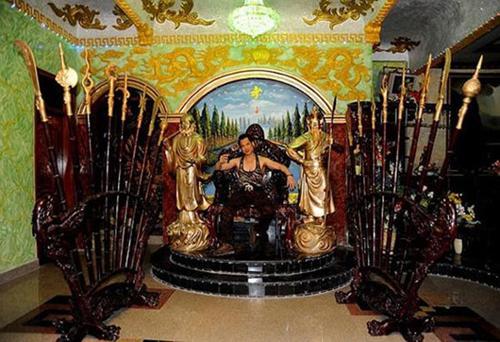 Cùng biệt phủ 100 tỷ, Đàm Vĩnh Hưng hoàng gia, sang nhà Ngọc Sơn nhìn rợn tóc gáy-5