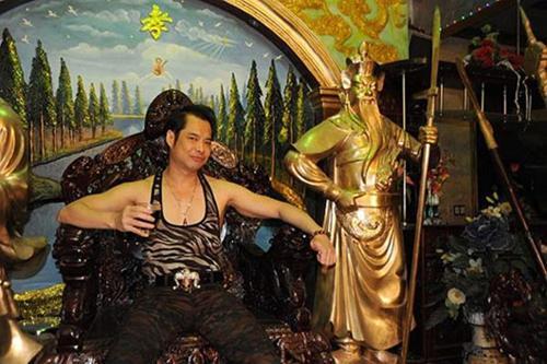 Cùng biệt phủ 100 tỷ, Đàm Vĩnh Hưng hoàng gia, sang nhà Ngọc Sơn nhìn rợn tóc gáy-6