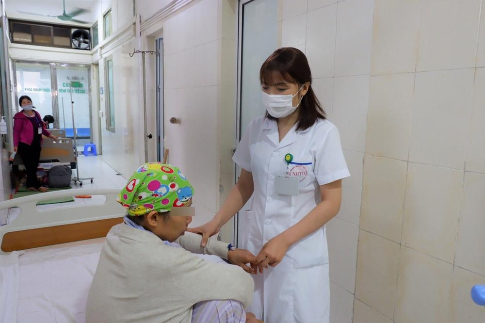 Nữ điều dưỡng trẻ mắc 2 bệnh ung thư di căn-2