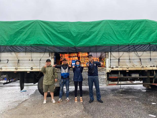 Hòa Minzy tiết lộ lý do không nhận quyên góp mà bỏ tiền túi toàn bộ trong chuyến cứu trợ miền Trung-3