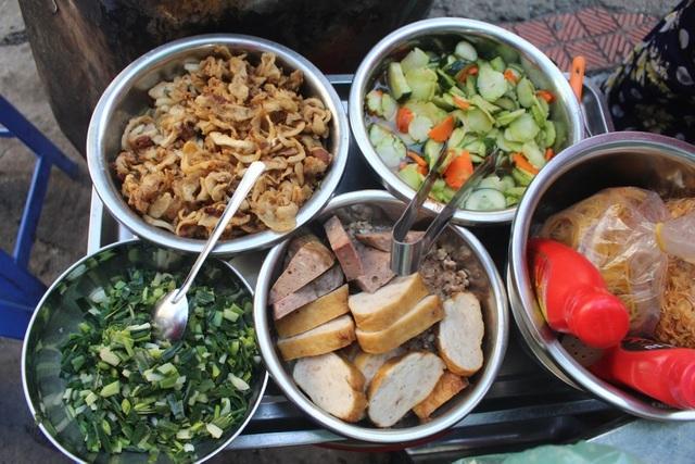 Kỳ lạ món ăn độn nhà nghèo thời bao cấp, thành đặc sản xếp hàng ở Hà Nội-5