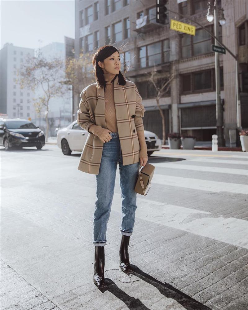 Công thức boots + quần với 3 chiêu nâng tầm 100% thời thượng, phục vụ chị em công sở trong mùa lạnh này-3
