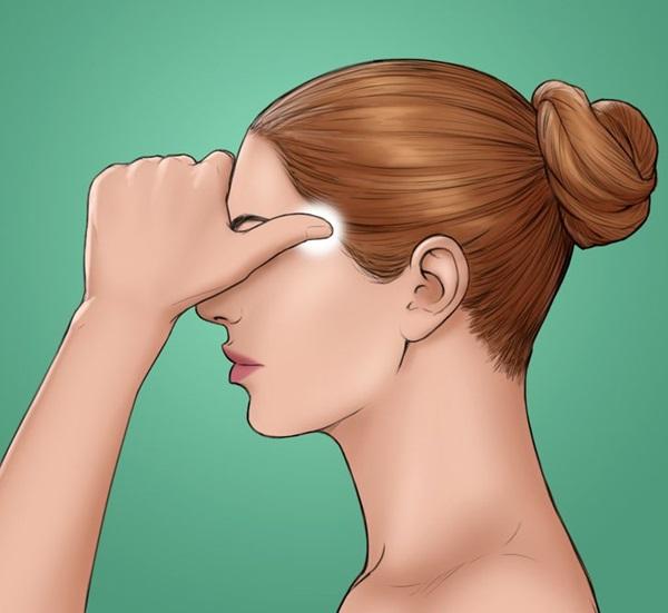 8 kỹ thuật xoa bóp để tránh đau đầu mà không cần dùng thuốc, chị em văn phòng ngồi lì 8 tiếng đừng nên bỏ qua-8