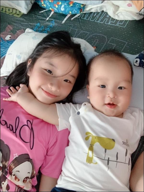 Có con gái đầu lòng như MC Thành Trung đúng là mát ruột, bé tý đã hiểu chuyện còn lo tiết kiệm tiền cho ba nuôi các em-8