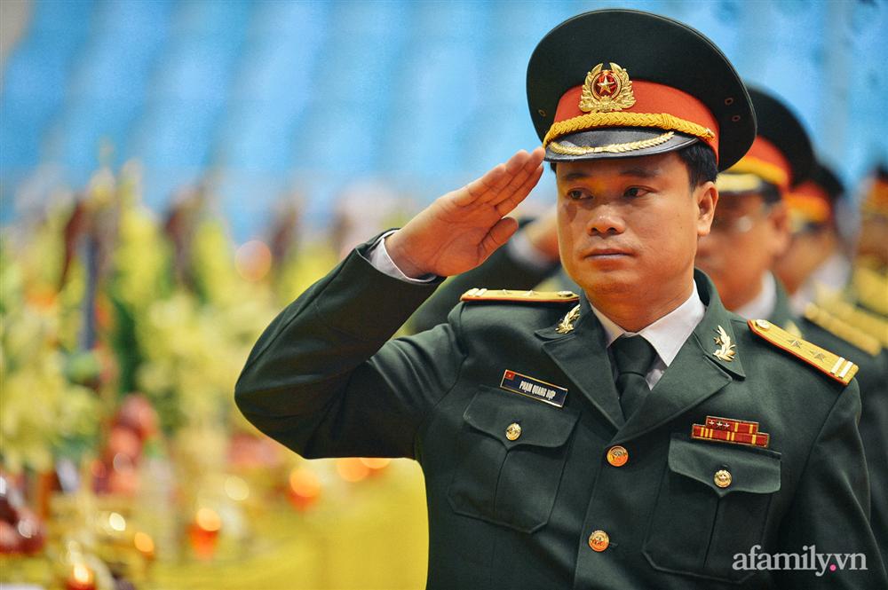 Lời chào tiễn biệt đầy bi tráng của nhà binh: Đồng đội ơi an nghỉ nhé, sứ mệnh người lính chúng tôi sẽ thay anh hoàn thành-9