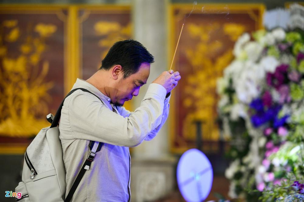 Việt Trinh, Giáng My khóc trong tang lễ NSND Lý Huỳnh-9