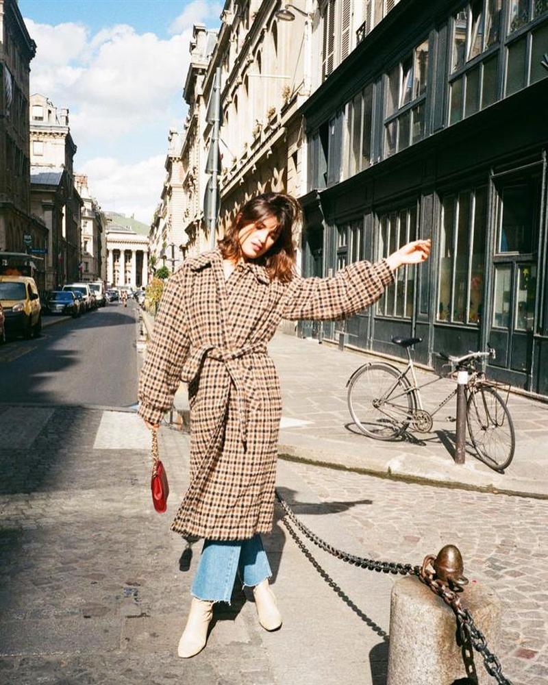 Cô nàng hé lộ bí mật về phong cách Pháp: Chúng tôi ăn mặc đại trà, diện đồ rộng hơn 1 size, và không cố để tỏ ra khác biệt-5