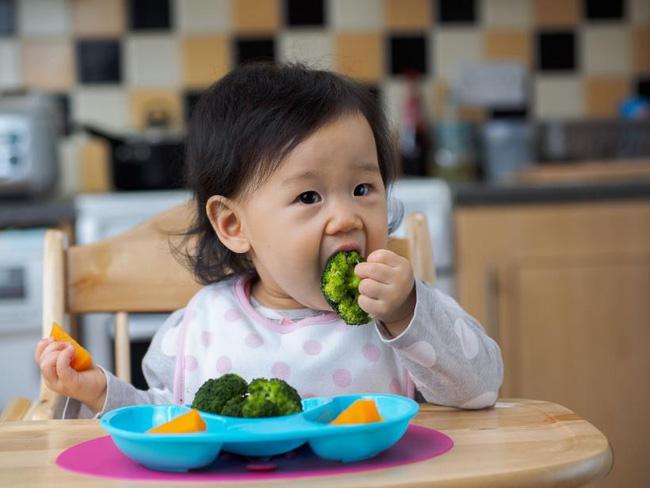 Cảnh báo 5 món ăn vặt rẻ bèo, có mặt ở khắp nơi trẻ nhỏ rất nghiện nhưng có thể là tác nhân gây ung thư cực mạnh-1