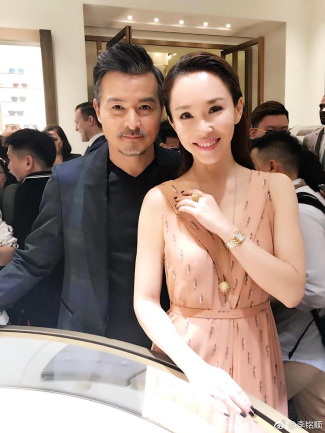 Điều ít ai biết về cặp đôi quyền lực nhất showbiz Singapore Phạm Văn Phương - Lý Minh Thuận: Từng không ưa nhau nhưng lại hạnh phúc suốt 2 thập kỷ-8