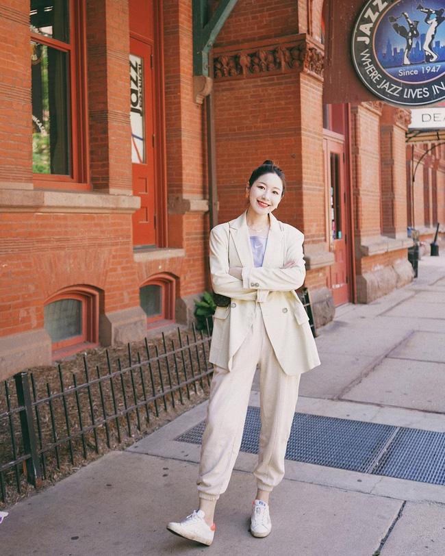 Chỉ với một kiểu blazer, nàng fashionista đã mix được cả chục set đồ xịn đẹp, thấy mà chẳng muốn shopping nhiều cho phí tiền-4