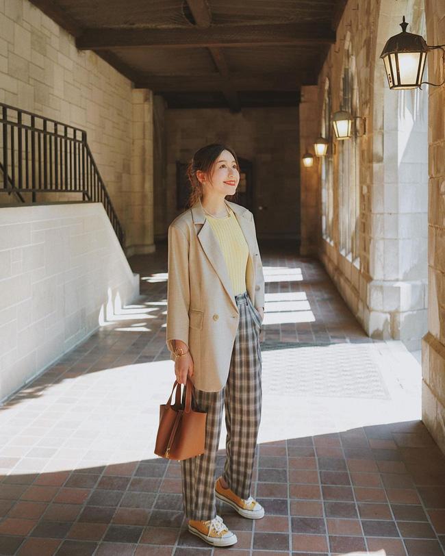Chỉ với một kiểu blazer, nàng fashionista đã mix được cả chục set đồ xịn đẹp, thấy mà chẳng muốn shopping nhiều cho phí tiền-7