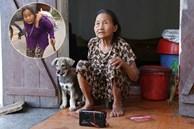 Gặp cụ bà lưng còng 'cõng' bao quần áo, mì tôm ủng hộ người dân miền Trung: Hơn 200.000 đồng/tháng tôi vẫn đủ ăn tiêu xả láng