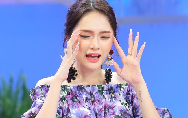 """Hương Giang bị bóc phốt"""" phát ngôn mâu thuẫn, còn bị gọi là Hoa hậu đạo lý-1"""