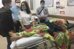 Vợ của tài xế chở hàng cứu trợ miền Trung gặp tai nạn lật xe: 'Anh bị chấn thương sọ não, mê man không nhận ra ai'