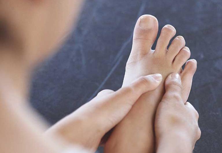 Bỗng dưng thấy bàn chân thay đổi theo 3 cách này, coi chừng bệnh ung thư đang phát triển trong cơ thể, cần lập tức đi khám-2
