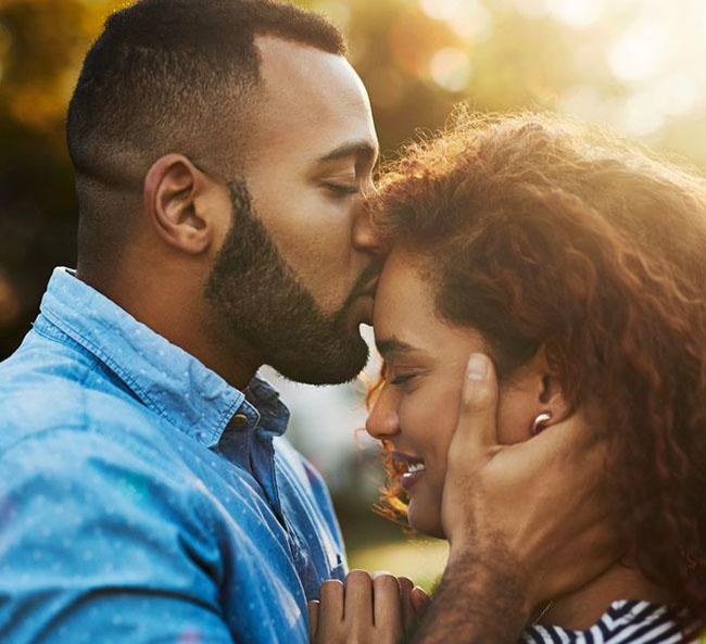 Người đàn ông hôn phụ nữ ở ba nơi này chắc hẳn đã khiến phụ nữ cảm động chân thành, không thể sai được!-2