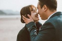 Người đàn ông hôn phụ nữ ở ba nơi này chắc hẳn đã khiến phụ nữ cảm động chân thành, không thể sai được!