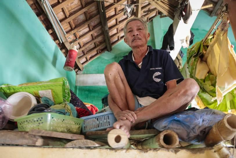 Quảng Bình: Ông lão rơi nước mắt ngồi ôm hũ gạo không dám ăn, liều mình bám trụ lại nhà trông coi tài sản giữa những ngày đỉnh lũ-5