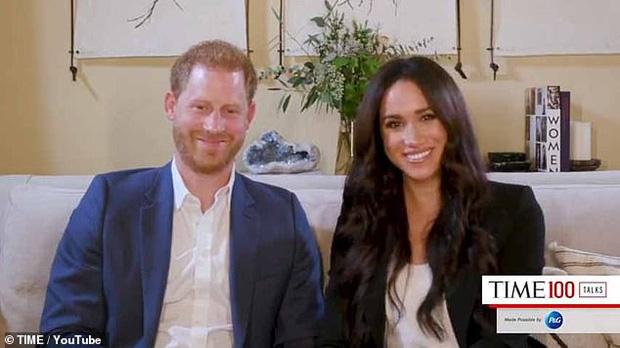 Tái xuất cùng vợ, Hoàng tử Harry bất ngờ nhận về loạt chỉ trích từ người hâm mộ vì câu nói hoàn toàn vô ý-1