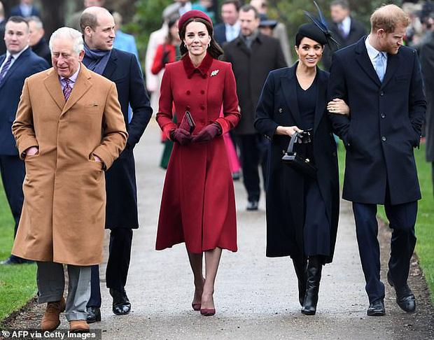 Tái xuất cùng vợ, Hoàng tử Harry bất ngờ nhận về loạt chỉ trích từ người hâm mộ vì câu nói hoàn toàn vô ý-3