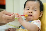 Xuất hiện dấu hiệu này có thể con bạn đang bị thiếu kẽm, ảnh hưởng đến sự phát triển toàn diện của bé