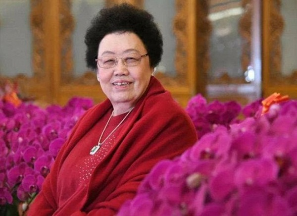 Chuyện tình của Đường Tăng Trì Trọng Thụy: Được bà xã đại gia theo đuổi, bị đàm tiếu vì kết hôn với người vợ 50 tuổi-1