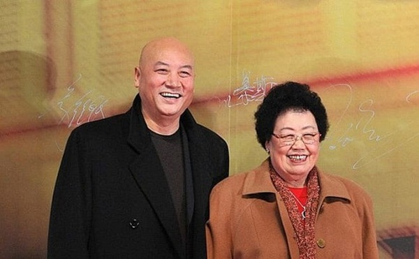 Chuyện tình của Đường Tăng Trì Trọng Thụy: Được bà xã đại gia theo đuổi, bị đàm tiếu vì kết hôn với người vợ 50 tuổi-3