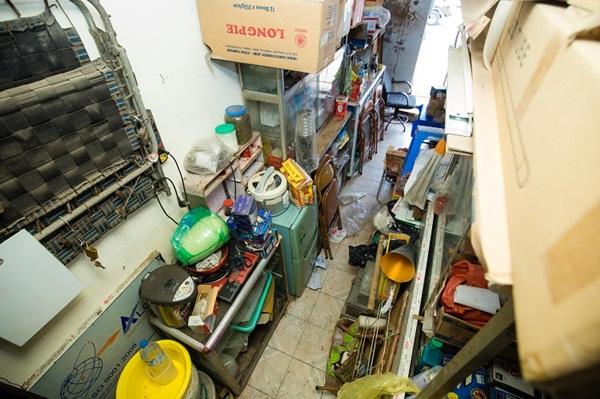 Kỳ lạ những căn nhà siêu nhỏ chỉ vừa một người đi nhưng giá hơn 400 triệu/m2 ở Hà Nội-4