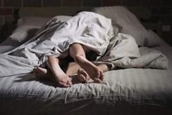 Chồng thoải mái quan hệ với nhân tình trong căn phòng trọ, không ai ngờ rằng phía dưới giường ngủ lại che giấu tội ác man rợ