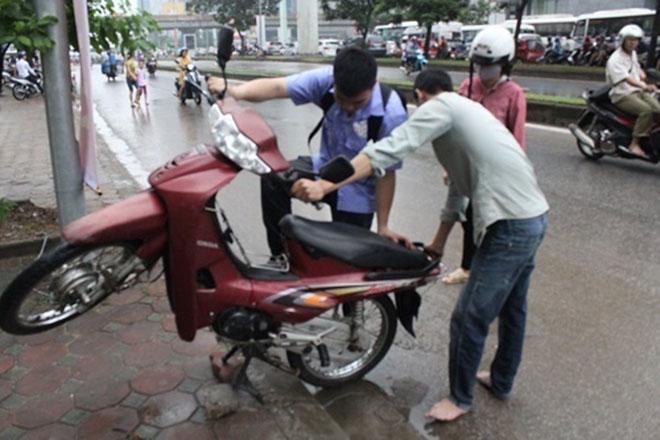 Lưu ý khi xử lý xe máy ngập nước lâu ngày-2