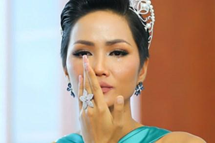 H'Hen Niê: Tôi rất đau khi bị nói keo kiệt, ủng hộ 50 triệu khi tài khoản chỉ có 85 triệu
